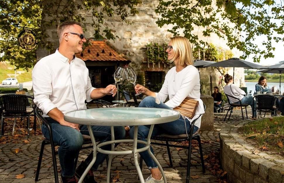 Weinbars und Vinotheken